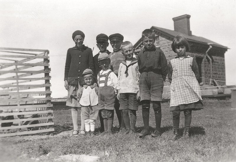 Photo of lighthouse keepers' children.